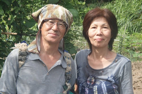 A photo of Asano-san and his wife